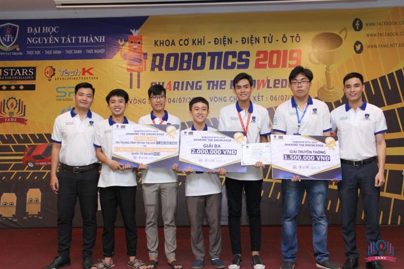 doi ve ba cuoc thi robotics 2019