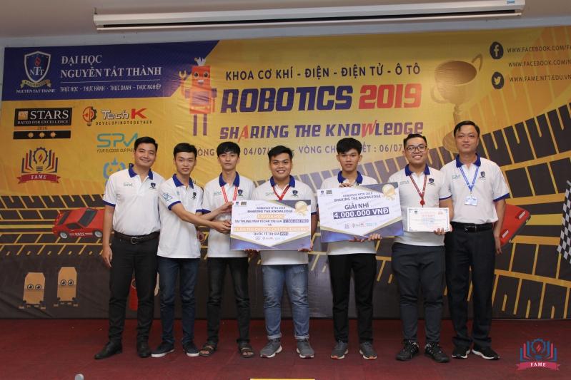 doi ve nhi cuoc thi robotics 2019